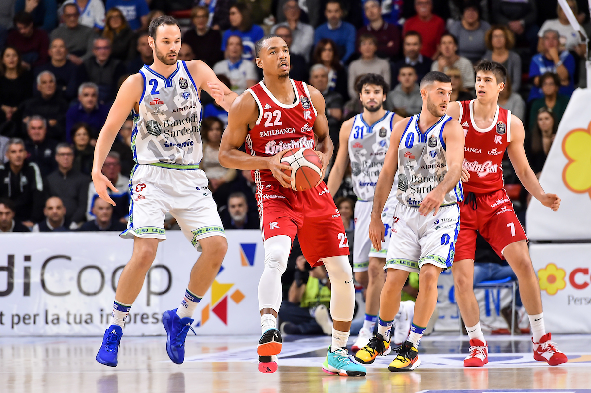 Banco di Sardegna Sassari, per la terza volta in stagione 6 giocatori in doppia cifra - Sportando